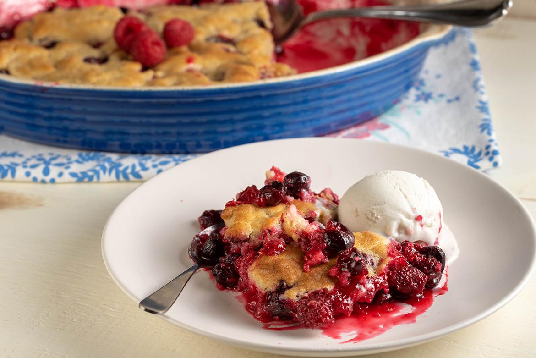 Cranberry Raspberry Cobbler l cranberry raspberry cobbler