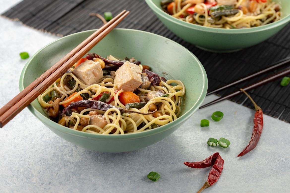 Kung Pao Noodle Dish, Kung Pao Noodles, Chinese New Year Dishes, Chinese New Year Recipes, Noodle Dish, Plant Based Recipes