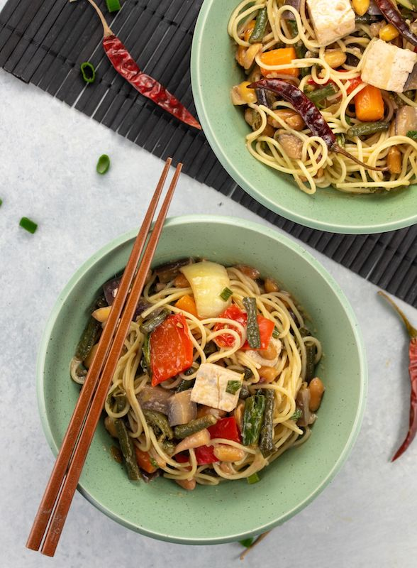 kung pao noodles, chinese new year recipes, chinese new year traditions, plant based recipes, noodle dishes