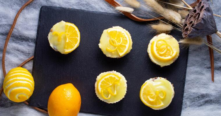 Lemon Mini Cheesecakes With Lemon Curd