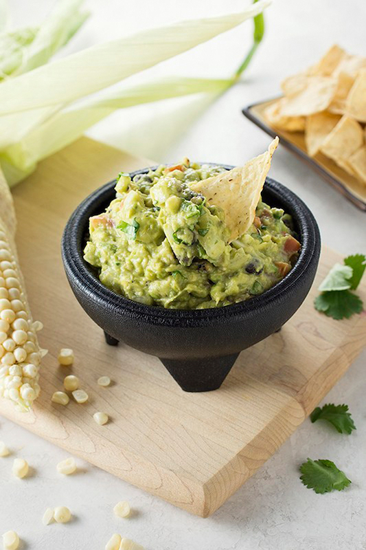 recipe to grilled corn guacamole, st. patrick's day, st. patty's day, green food, st. patrick's day recipe, guacamole, guac recipe