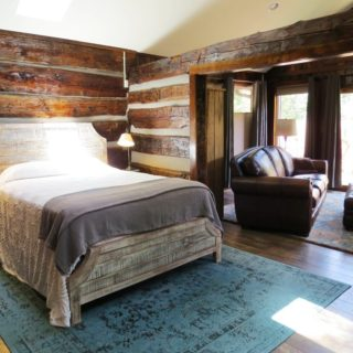 Queen bed at the Garden Cabin - The Cove at Fairview - Vacation Rentals - Asheville, NC