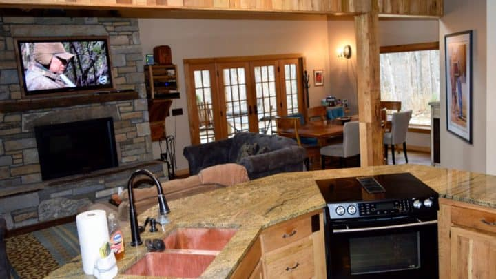 My Place kitchen - The Cove at Fairview - Vacation Rentals- Asheville, North Carolina