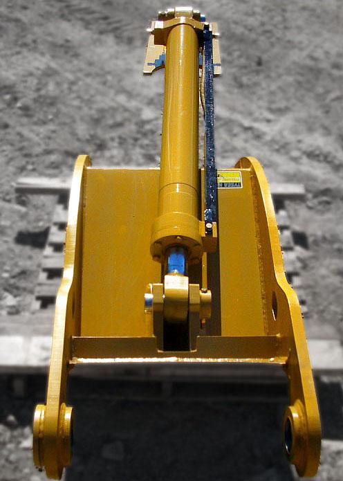 Hydraulic cylinder installed on excavator thumb