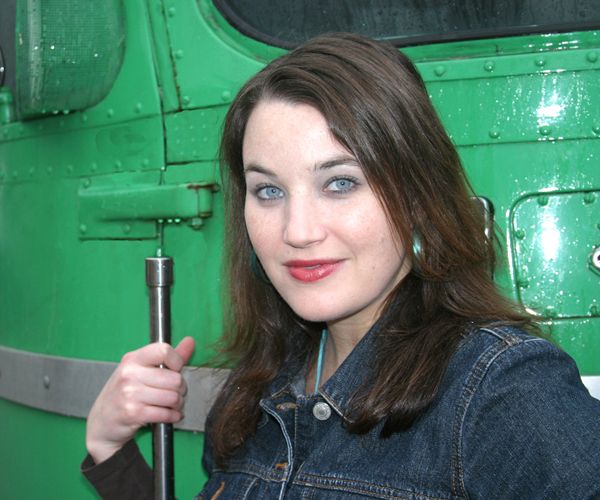 Vocalist Taryn Noelle boards The Mighty Pickle
