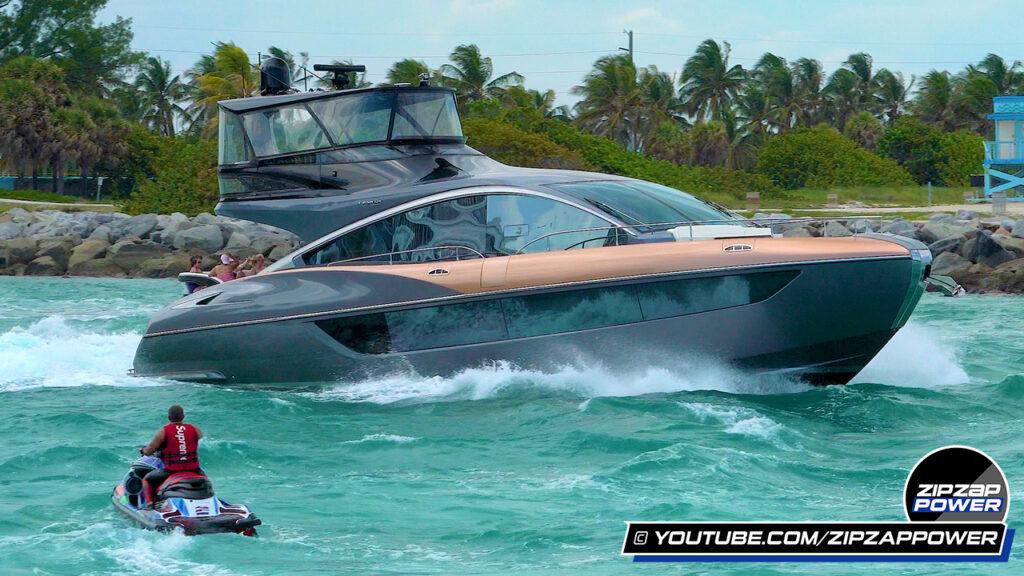 Lexus LY 650 Yacht underway