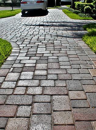 walkway-crop-u1692494