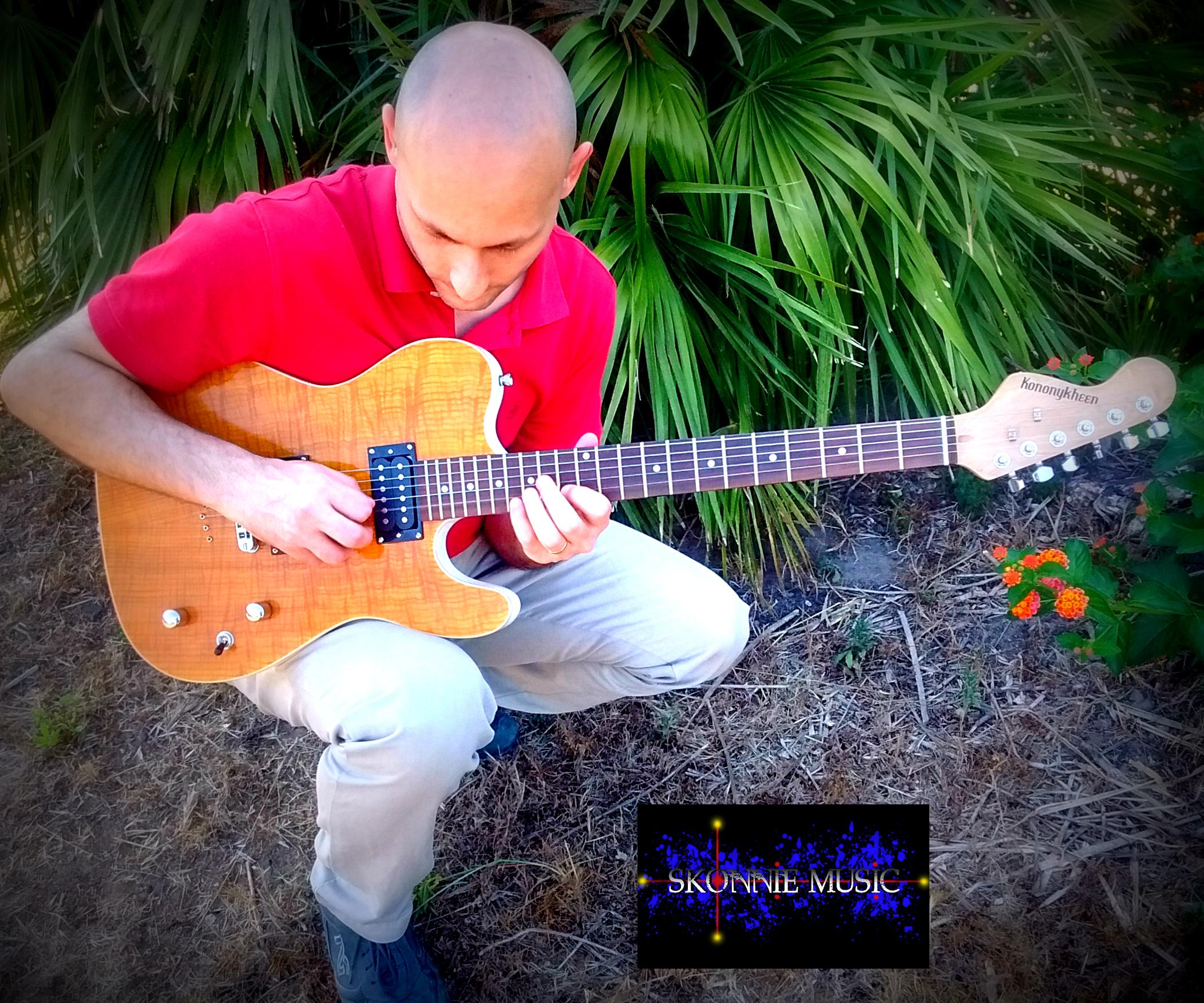 Skonnie Music Guitarist with Kononykheen Guitar