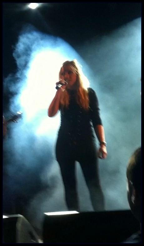 Skonnie Music, Connie Yerbic Concert, Vocals