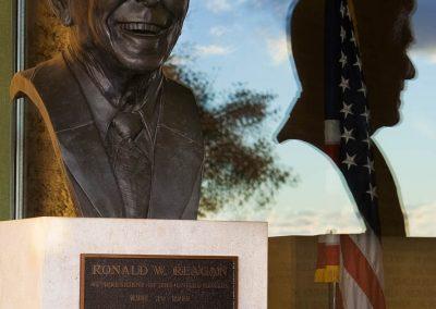 09-reagan-bust