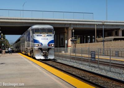 Amtrak departs Camarillo station-1