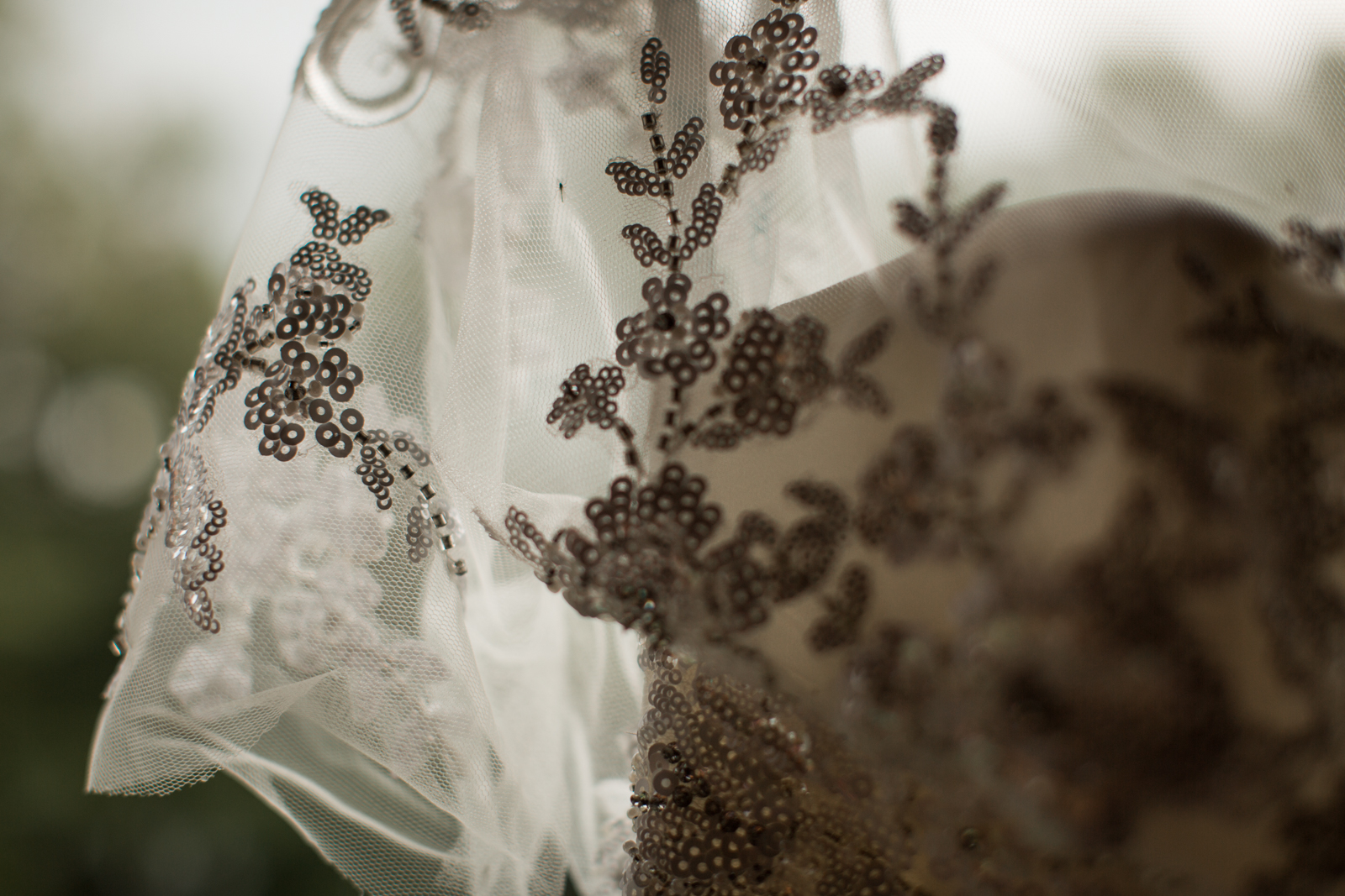 8Willow_and_Wolf_Photography_Katie_and_James_Waterton_Wedding_Blog45-Willow_and_Wolf_Photography_Katie_and_James_Waterton_Wedding_GettingReady_BEC_3160