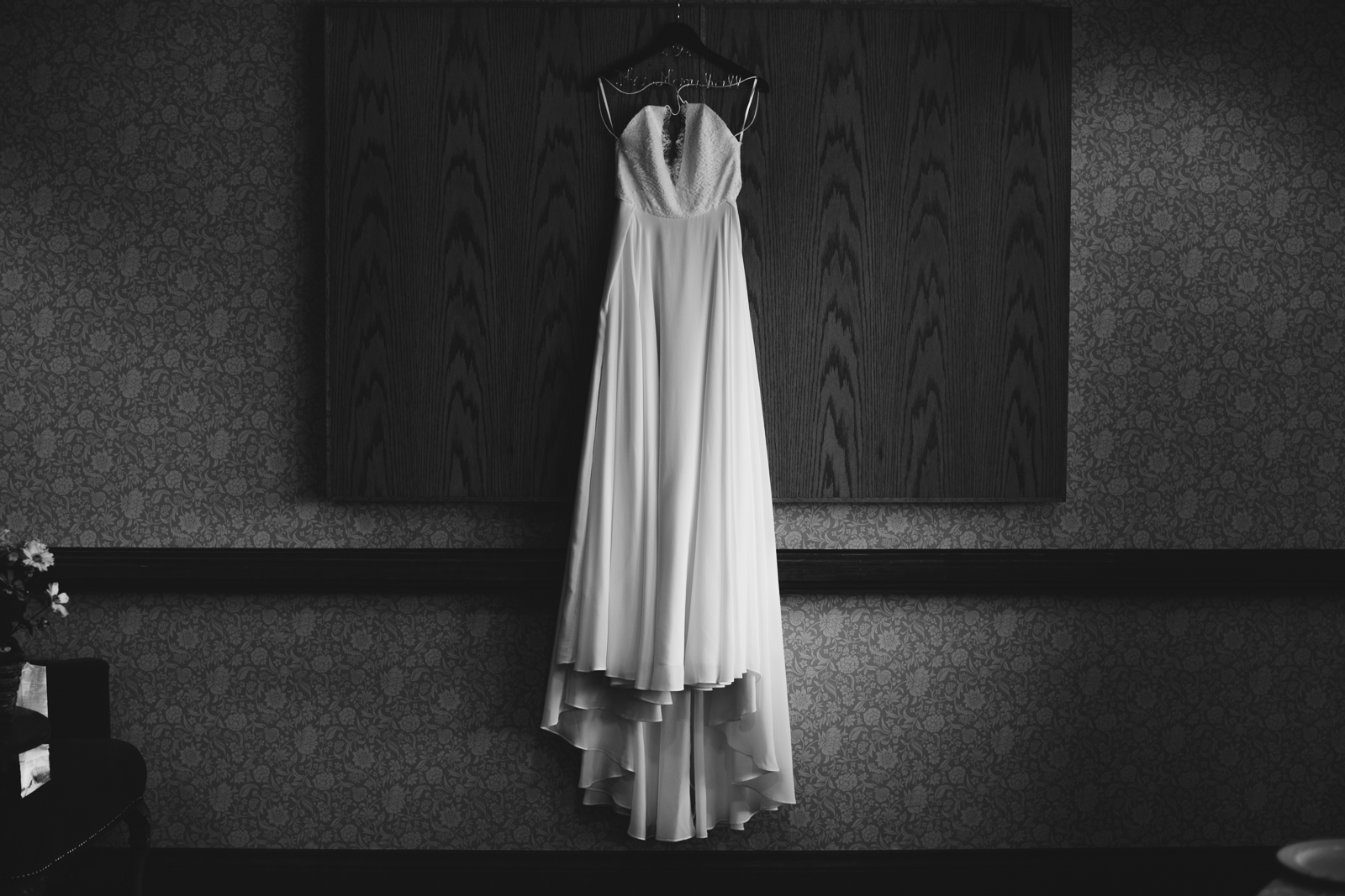 7-willow_and_wolf_photography_nicole_and_gary_cranbrook_wedding_blog