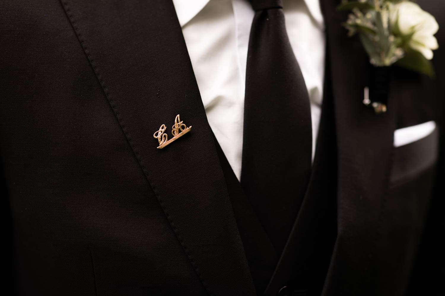 groom antique pin
