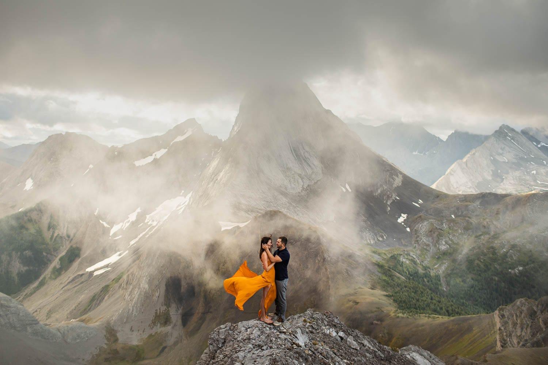 Engagement shoot on top of smutwood peak