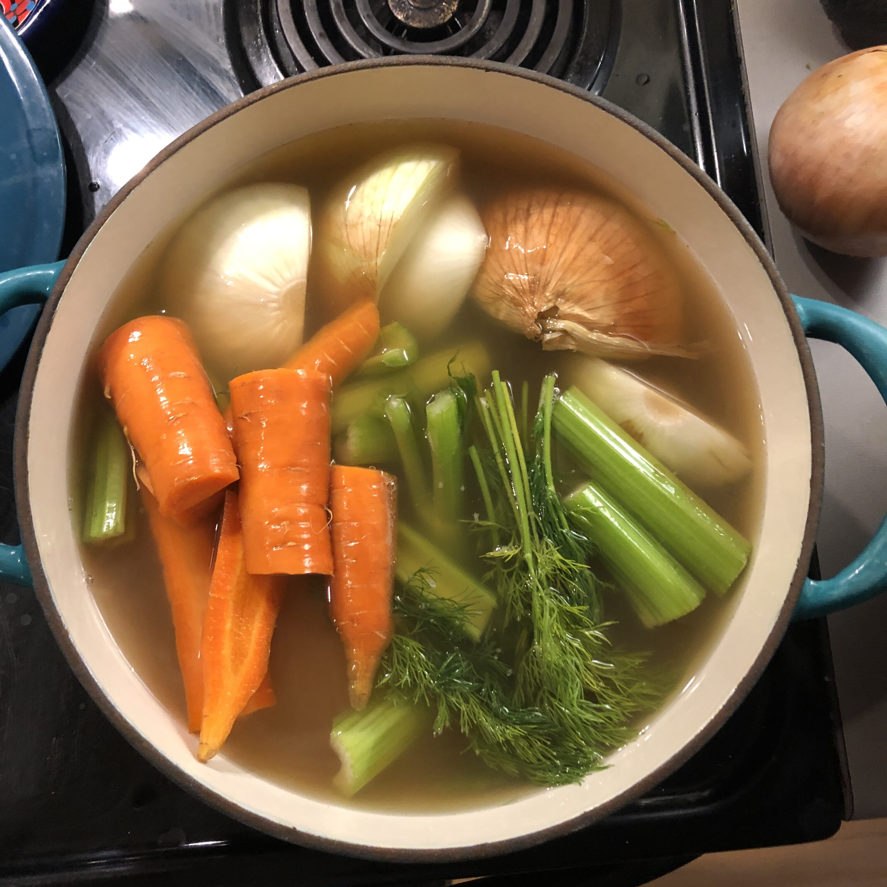 Chicken Bone Broth from the Homefakers Homestead
