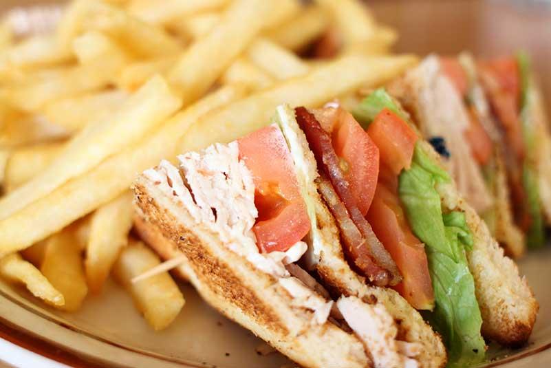 club-sandwich-with-fires