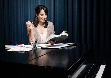thumb-Melissa_Barber_20197025-198_web_concerts_keynotes_events-1