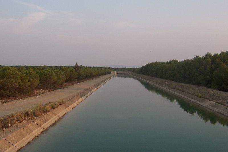 El acuerdo entre las cinco comunidades autónomas de las cuencas del Tajo y del Segura permitirá culminar la planificación hidrológica con el máximo consenso y estabilizará el acueducto