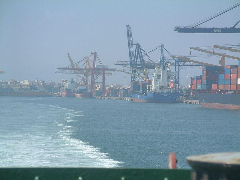 Pastor subraya la importancia de los puertos para las exportaciones y la reactivación de la economía española