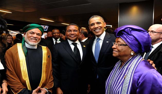 Dignatarios que asisten a funeral de Madiba entre ellos el presidente de EE.UU., Barack Obama, Presidente de Liberia, Ellen Johnson Sirleaf, y el presidente de Tanzania Kikwete. Fuente: GCIS