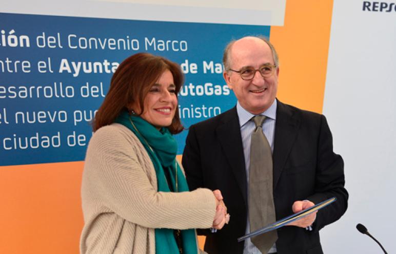 La Alcaldesa de Madrid, Ana Botella, y el Presidente de Repsol, Antonio Brufau