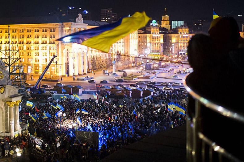 Los opositores ucranianos le dan un ultimátum al presidente, pero aceptan una tregua