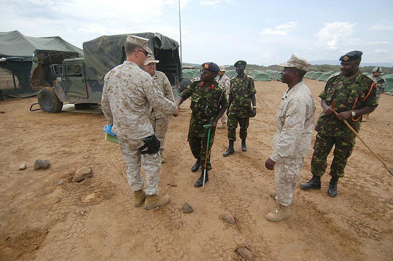 Las fuerzas de defensa de Kenia lanzaron una ofensiva contra los terroristas de Somalía