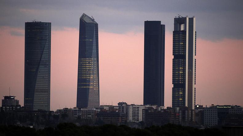 El número de desempleados en España disminuyó en 107.570 personas en el mes de diciembre