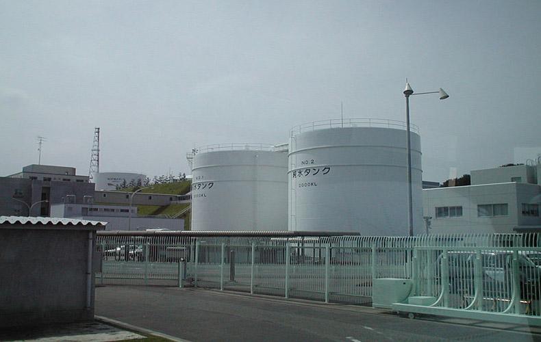 El gobierno observa el bombeo de agua tóxica desde la planta de Fukushima al mar