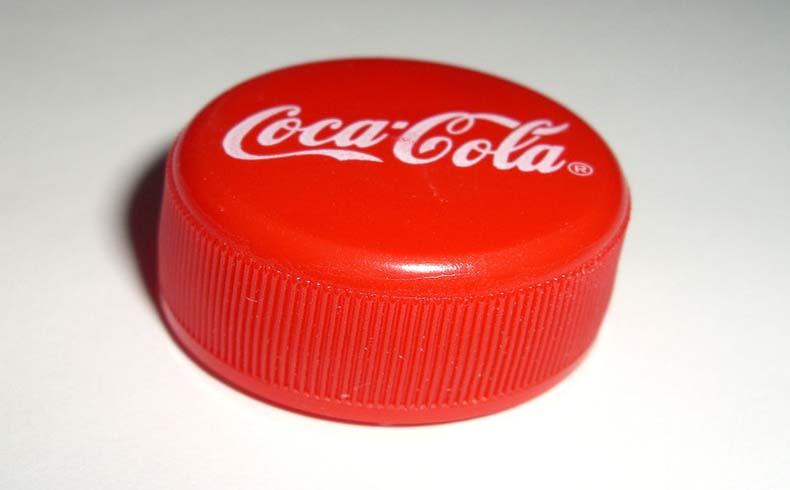 La multinacional Coca-Cola niega aludir a las drogas en su última campaña