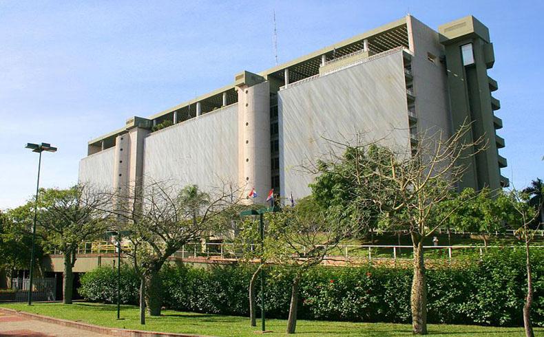Paraguay: Carlos Valdovinos presenta el positivo rendimiento financiero del país