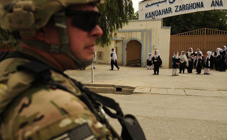 Unidades rumanas transfieren el mando en Afganistán