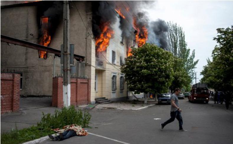 Ministro del Interior de Ucrania: 21 muertos en combate en Mariupol