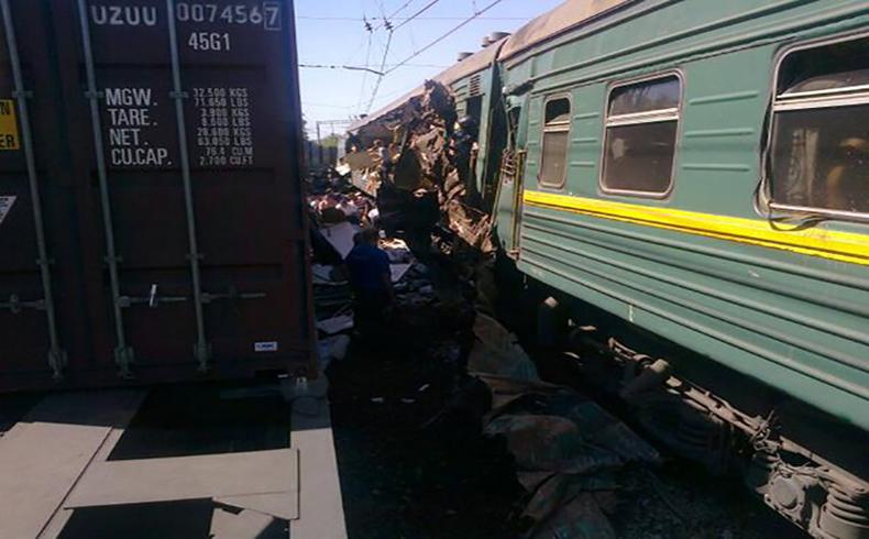 Cuatro muertos y treinta heridos en colisión de trenes cerca de Moscú