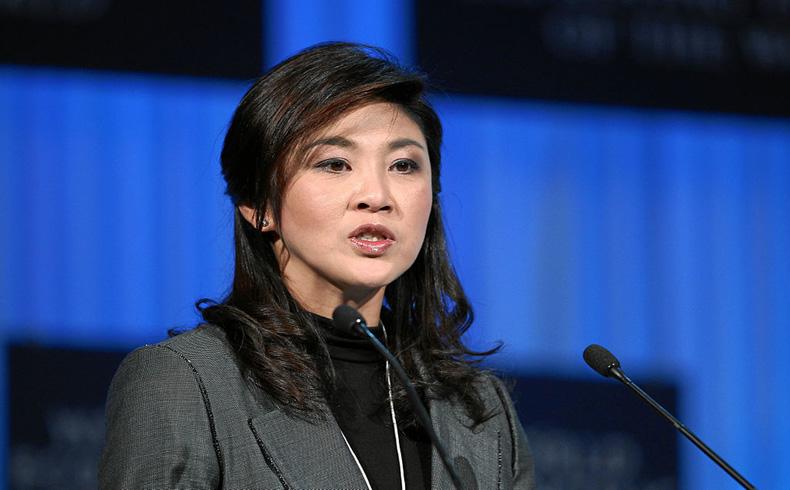 La depuesta primera ministra tailandesa, ex miembros del gabinete y líderes de la protesta fueron detenidos después de ser interrogados por los militares