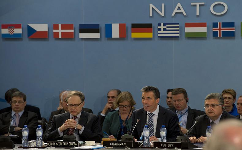 Rasmussen: los temas de Defensa hoy y en el futuro
