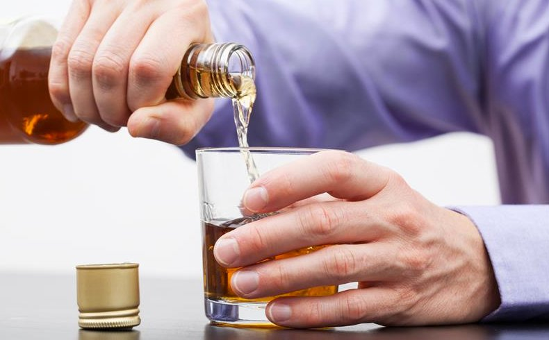 Incrementa alcohol riesgo de hipoglucemias graves
