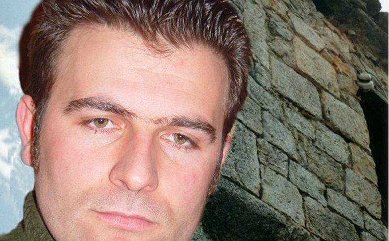 """Jeton Kelmendi: El """"Bautismo del Alma"""" en la Literatura de Albania"""