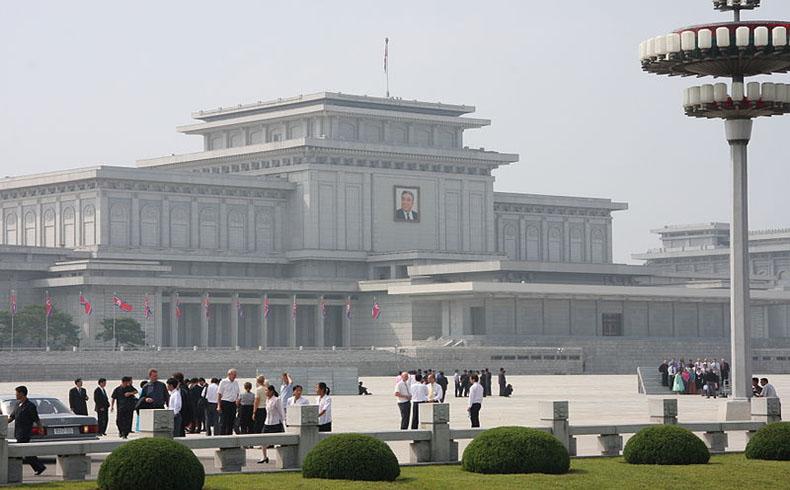 Corea del Norte dice que suspende su pueba nuclear si son cancelados los ejercicios militares conjuntos de Corea del Sur y EEUU