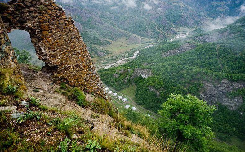Las autoridades en Nagorno-Karabaj condenan a dos azeríes étnicos por espionaje