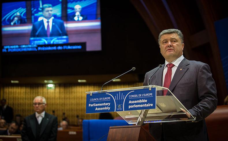 Poroshenko planea nuevas conversaciones con Rusia, Alemania y Francia para llevar paz a Ucrania Oriental