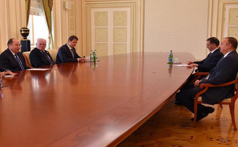 """Yaalon: """"Estoy feliz de estar aquí, en primera e histórica visita de un ministro de Defensa israelí en Azerbaiyán"""""""