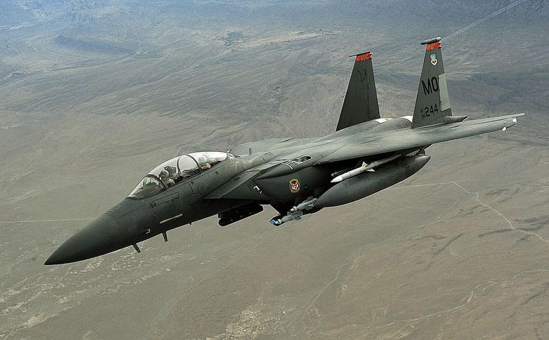 Los EE.UU. atacan a los combatientes de EI en una instalación gasífera clave de Siria