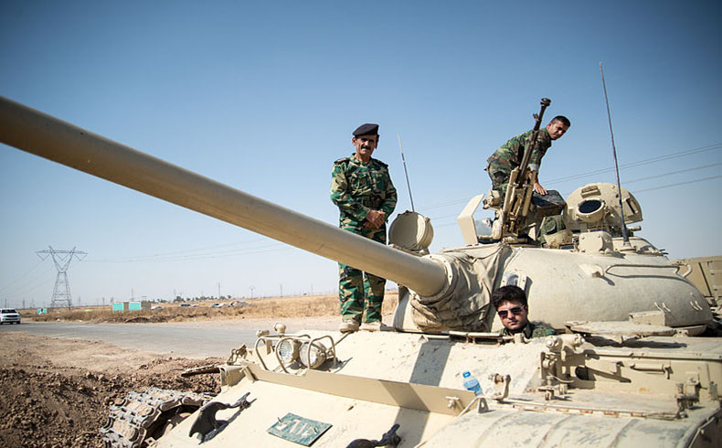 El primer cargamento de armas alemanas arriba a Irak, junto con Ursula von der Leyen