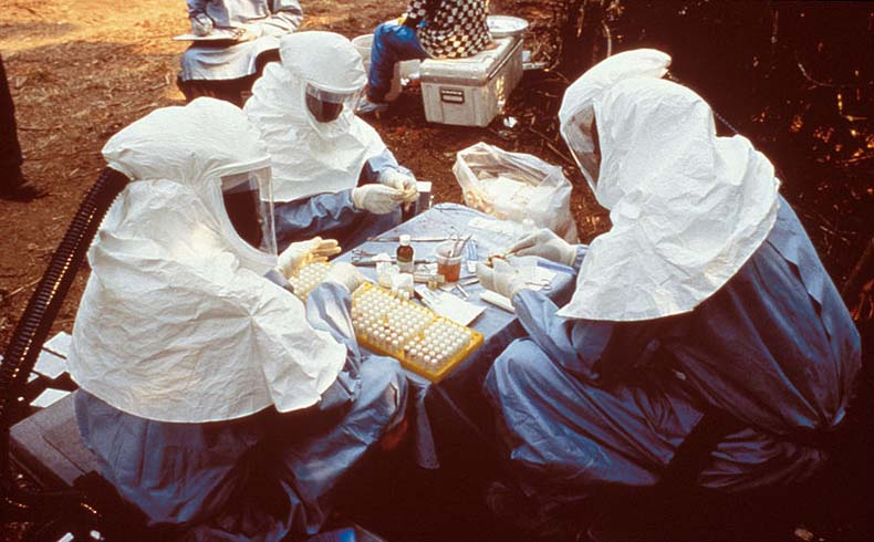 OMS informa que hay 15.935 personas con ébola