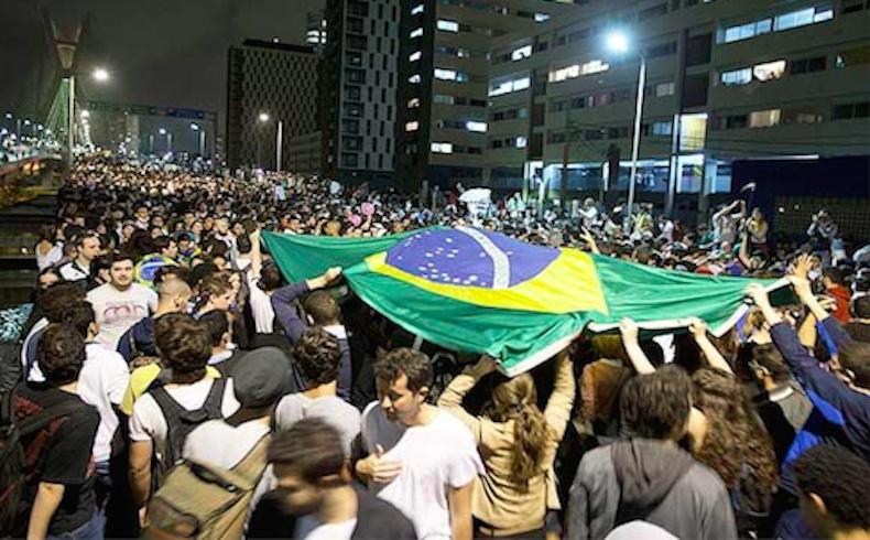 Marchas contra Rousseff y la extendida corrupción en Sao Paulo
