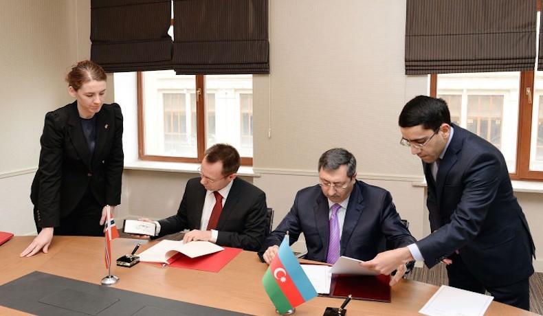 Los gobiernos azerbaiyano y noruego firman dos acuerdos