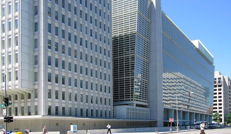 El Banco Mundial entregará hasta dos mil millones de dólares estadounidenses a Ucrania en el 2015
