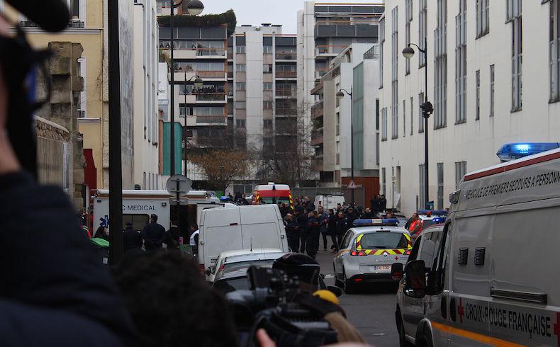 Por lo menos 12 muertos en el ataque a la redacción de un periódico parisino